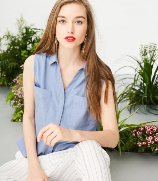 2020女装行业如何发展?法思莉时尚女装走在市场前沿